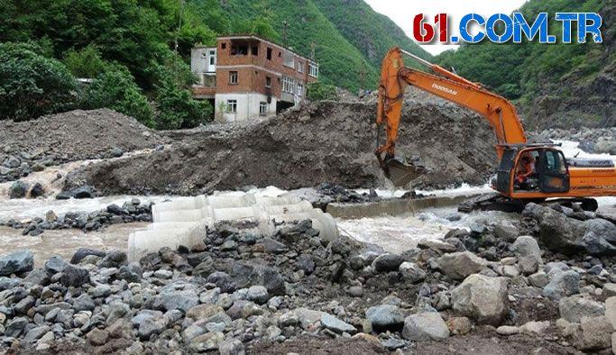 Araklı'daki selde 11 bina yıkıldı, 14'ü de ağır hasar gördü!