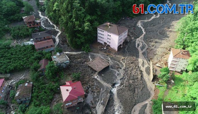 Araklı'da selde hasar gören okul yıkılıyor!