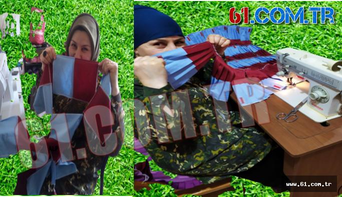 Bando Takımının Maskeleri Bordo/Mavi