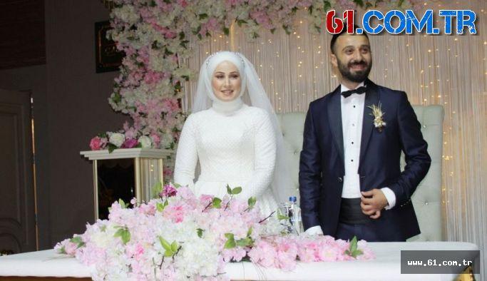 Demet Keskin ile Ali Akaydın evlilik kervanında yola çıktılar.