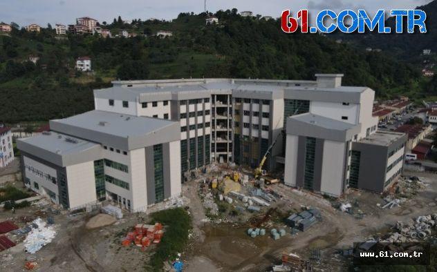 Of'ta Yeni Hastanenin Birimleri Kuruluyor