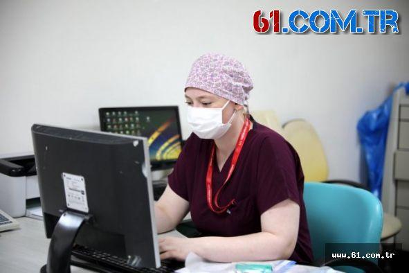 Trabzon'da Yoğun Bakım Hemşiresi Çalışma Zorluğunu Paylaştı!