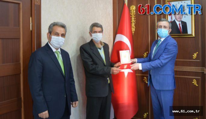 Kıbrıs Gazisi Harun Aydın'a gazilik madalyası verildi