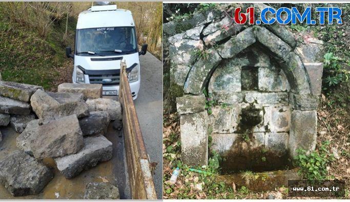 Vakfıkebir'de Çalınan 150 yıllık Tarihi Çeşmenin Taşları Yediemin Olarak  Muhtara Teslim Edildi