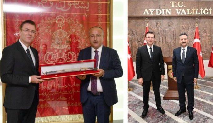 Başkan Muhammet Balta Trabzonlu Valilerimizi ziyaret etti Vakfıkebir Belediye Başkanı Muhammet Balta, hemşehrimiz, Denizli Valisi Ali Fuat Atik'i ve hemşehrimiz Aydın Valisi Hüseyin Aksoy'u makamlarında ziyaret ederek bir süre sohbet etti.