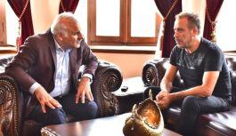 Haluk Levent, Büyükşehir Belediye Başkanı Murat Zorluoğlu'nun misafiri oldu