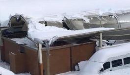 Çarşıbaşı'nda Çatılar Çöktü