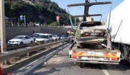 Sahil Yolu'nda6 aracın karıştığı zincirleme kazada, 5 kişi yaralandı