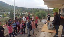 Çaykaralı Başkan Kıbrıs'ta  300 Çocuğa Trabzonspor Forması Verdi
