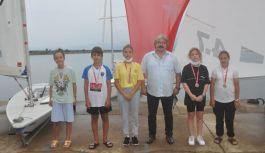 Beşikdüzü'nde 30 Ağustos Zafer Bayramı Büyükşehir Belediye Başkanlığı Yelken Yarışları yapıldı