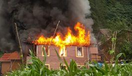 Uzungöl'de 2 katlı pansiyonda yangın...