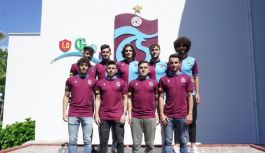 Trabzonspor 9 futbolcu için imza töreni...